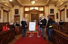 Belgium's Ixelles mayor appreciates contribution of Vietnamese to local COVID-19 response