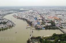 PM urges drastic measures to develop Mekong Delta