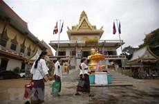 Vietnam provides more aid for Cambodia to fight COVID-19