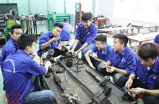 Bac Giang improves quality of human resources