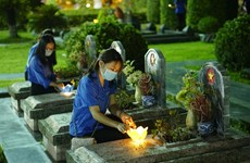 Local youths commemorate martyrs to mark 67 years of Dien Bien Phu victory