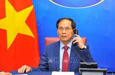 Vietnamese, Cuban Foreign Ministers hold phone talks