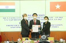 Vietnamese association presents 100 ventilators to India
