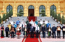 State President meets with ethnic delegates from Bac Giang