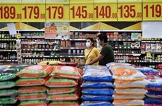 Philippines lowers import tariffs on rice, pork