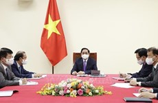 Vietnamese, Canadian PMs hold phone talks