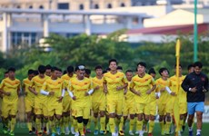 President encourages national football team ahead of important games