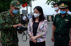 Vice President visits anti-pandemic forces in An Giang