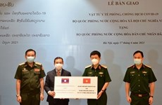 Defence ministry presents medical supplies to aid Laos' pandemic-prevention efforts