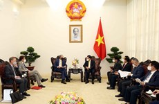 Deputy PM proposes UK further facilitate Vietnam's access to COVID-19 vaccine supplies