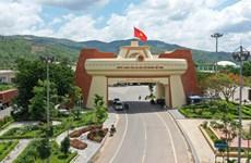 Vietnam, Laos enjoy flourishing trade ties