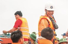 Vietnamese rescuer honoured with IMO bravery award