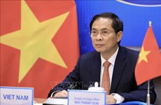 Newly-appointed Foreign Minister receives congratulations from China