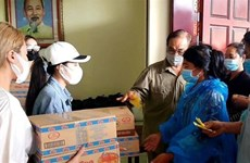 Gifts sent to Vietnamese Cambodians in Preah Sihanouk