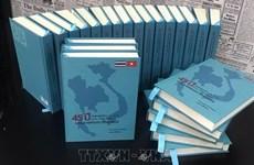 Bilingual book highlighting Vietnam-Thailand ties debuts
