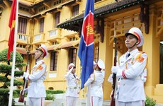 ASEAN member countries unite to overcome challenges, develop steadily