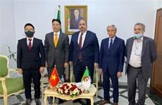 Vietnamese, Algerian parties bolster relationship