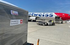 Switzerland presents 13 tonnes of medical supplies to Vietnam