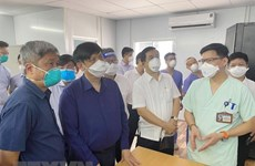 Health Minister inspects intensive care units in HCM City