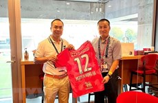 Japan's football club wishes to boost exchanges with Vietnamese peers