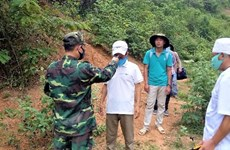 Quang Ninh hands over wanted Chinese man to China