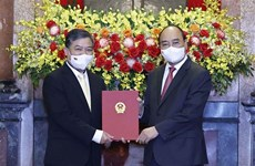 Appointment decision presented to Vietnamese Ambassador to Cambodia