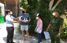 Da Nang supports foreigners facing difficulties due to COVID-19