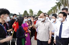 President attends new-school-year opening ceremony in Yen Bai province