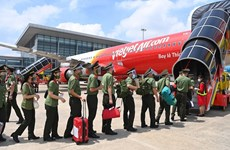 Vietjet flies nearly 1,000 policemen to support HCM City's COVID-19 fight