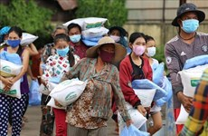 Emergency aid reaches more Vietnamese-Cambodians