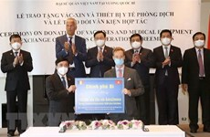 Belgian Foreign Ministry hands over 100,000 doses of vaccine to Vietnam