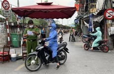 Medical lockdown lifted in some Hanoi areas