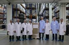 Russian company presents COVID-19 treatment drug to Vietnam