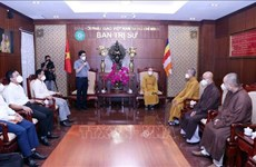 Go'vt committee accompanies Buddhist dignitaries, followers in HCM City COVID-19 fight: Official
