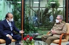 President Nguyen Xuan Phuc meets with Gen. Raul Castro Ruz
