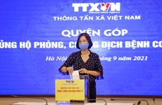 Vietnam News Agency's staff raise funds for COVID-19 fight