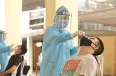 Hanoi discovers five more COVID-19 cases in community