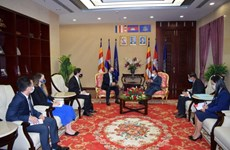 Cambodian Deputy PM urges peaceful solution to East Sea disputes