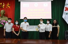 Lee's Sandwiches donates 200,000 USD to support HCM City's COVID-19 fight