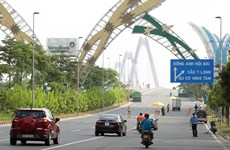 Hanoi stops commuter, vehicle examination at pandemic checkpoints