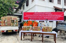 Vietnam Buddhist Sangha aids Lao monks amid COVID-19