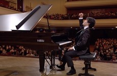 Pianist Dang Thai Son's student comes first at int'l Chopin piano competition