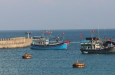 Kien Giang fishermen receive support to resume operations
