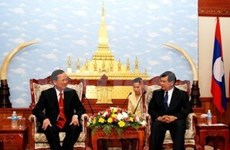Vietnam, Laos strengthen investment cooperation