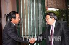 Vietnam, Singapore talk politics and economy
