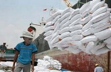 Export revenues inch up 1 percent in July