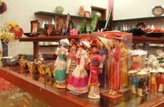 ASEAN displays handicrafts and textiles in Romania