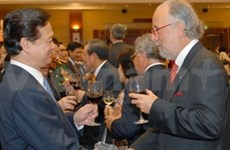 PM hosts National Day banquet for diplomats