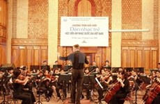 Young symphony orchestra performs in Germany