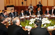 APEC leaders vow to maintain stimulus policies